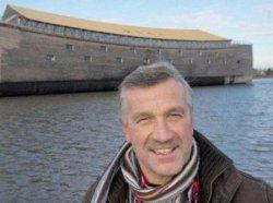 Житель Нидерландов построил точную копию Ноева ковчега