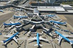 В Амстердаме переносят авиарейсы