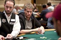 Победителем покерного турнира в Амстердаме стал телеведущий