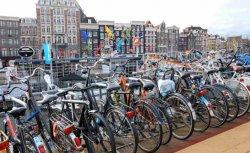 В Голландии массово приобретают экологически чистый транспорт