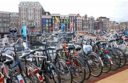 Жители Голландии в прошлом году приобрели велосипедов на рекордные €1,2 миллиарда