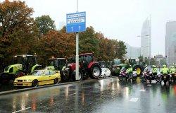 В Нидерландах была устроена забастовка на тракторах